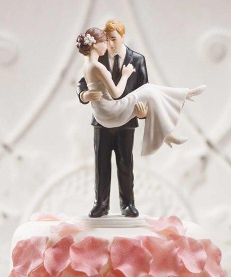bolo de casamento com noivinhos 3 460x552 - BOLO DE CASAMENTO com noivinhos divertidos estilos
