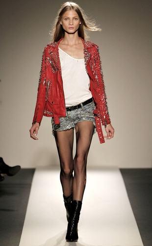 imagem 13 1 - LOOKS COM MEIA CALÇA : Com Saia, Vestido ou shorts (Moda Inverno)