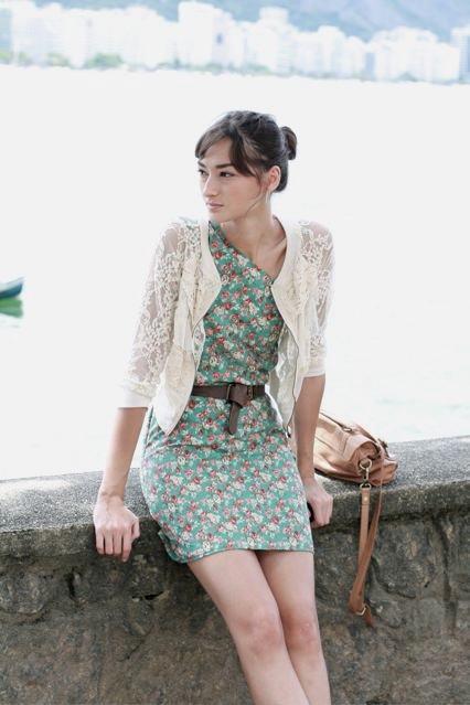 imagem 26 - Casaquinhos curtos como usar : Com saia, vestido, calça, shorts