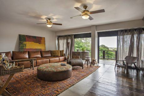 imagem 23 460x307 - SOFÁS DE COURO ; Várias cores e estilos para sala de estar