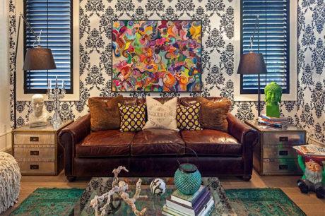sofa de couro 3 lugares 460x306 - SOFÁS DE COURO ; Várias cores e estilos para sala de estar