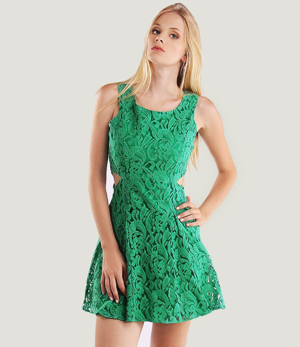 Lindos vestidos curtos de renda