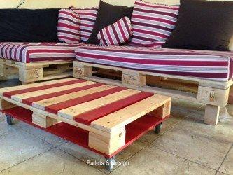 belos móveis feitos de paletes