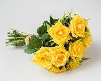 buquê de rosas amarelas naturais