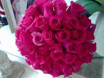 buquê de rosas pink para noiva
