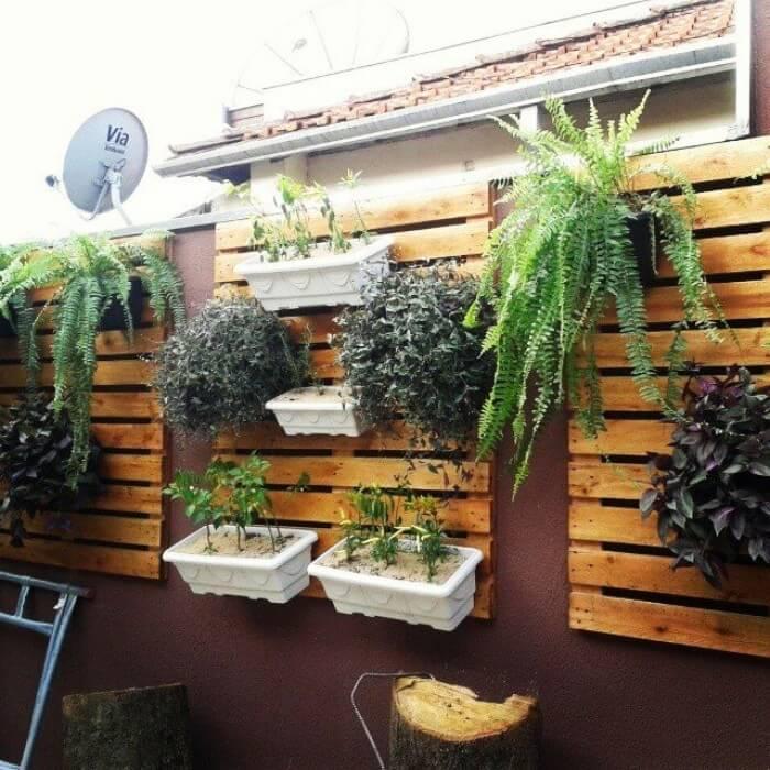 Jardim VERTICAL DE MADEIRA, sugestões para casa e apartamento sem espaço