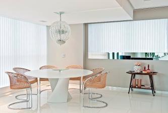 mesa de jantar redonda branca